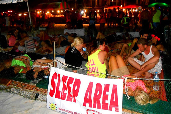Full Moon Party Sleep area