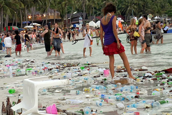 Full Moon Party garbage